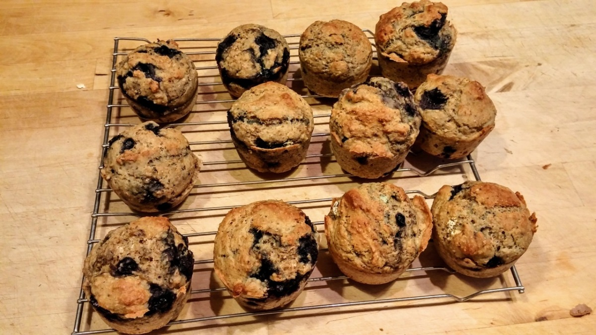 No-oil, no-awkwardness blueberry muffins